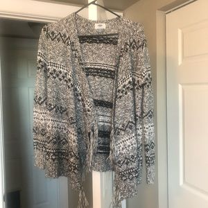Cute sweater with fringe detail